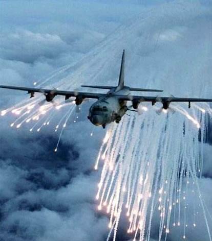 Ac 130 Quot Gunship Quot Un Hercules Aux Petits Bras Muscl 233 S